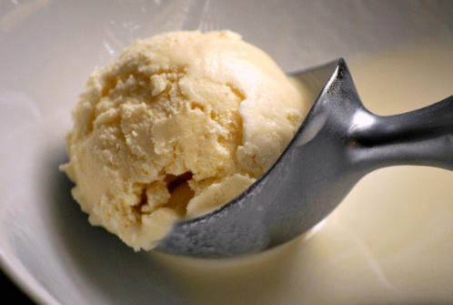 homemade-vanilla-ice-cream965