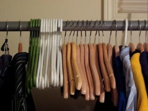 Organize_Hangers_By_Material_large
